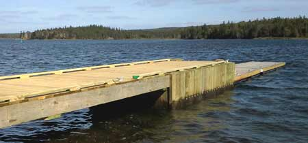 Floating and fixed combination dock.